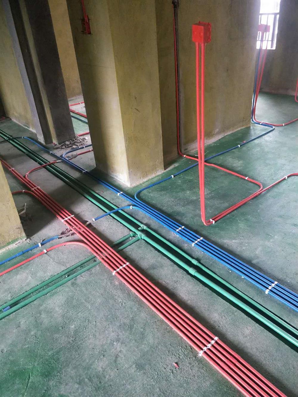 宜宾柔木装饰水电阶段