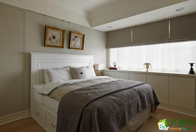 空间类型:美式风格 三室两厅一卫 房屋面积:130 装修方式:全包 工程造价:16.3万 美式风格总能给人以休闲的印象,房主选定美式风来打造这间公寓,让整间公寓中拥有舒适休闲的感觉,会客区与阅读区相融合,让这间公寓客厅具有多种功能性,实用且美观的空间设。