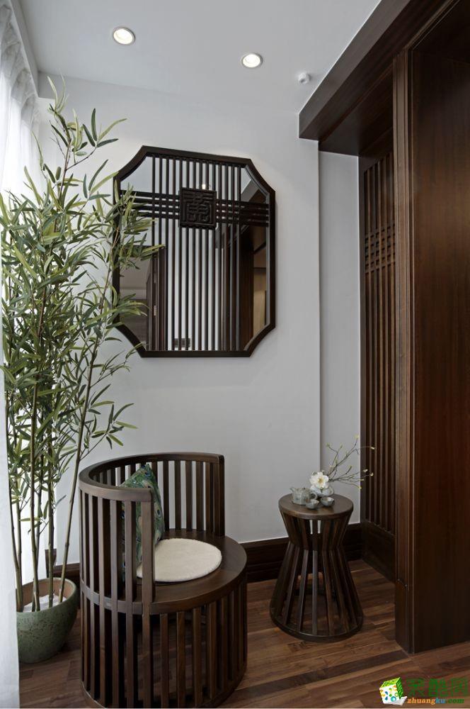 >> 新中式風格113平米三室兩廳裝修案例效果圖--上宸裝飾