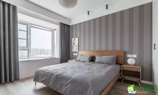 卧室  96�O自然原木风,营造很高级的感觉!