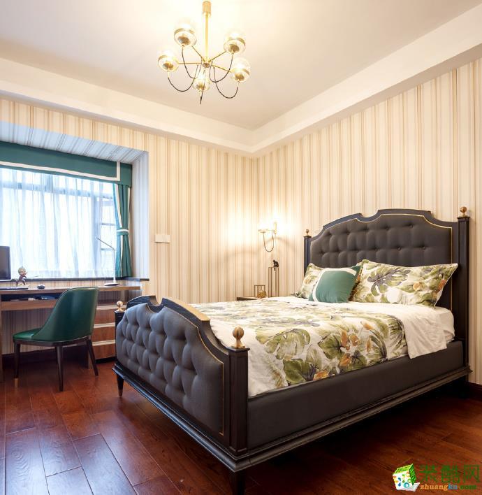 >> 现代轻奢风格120平米三室两厅装修案例效果图--美信装饰
