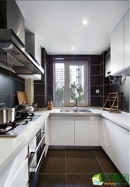 原木现代简约风格150平米三室两厅装修案例效果图赏析--80印象装饰