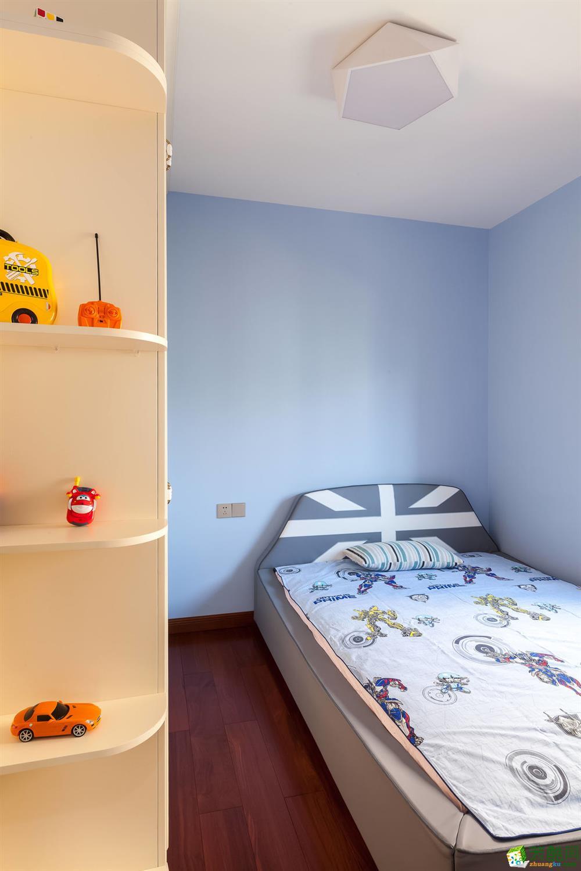 卧室 重庆165平三室两厅装修 棕榈泉现代简约风格装修案例赏析-佳天下装饰 《佳天下装饰》-- 棕榈泉