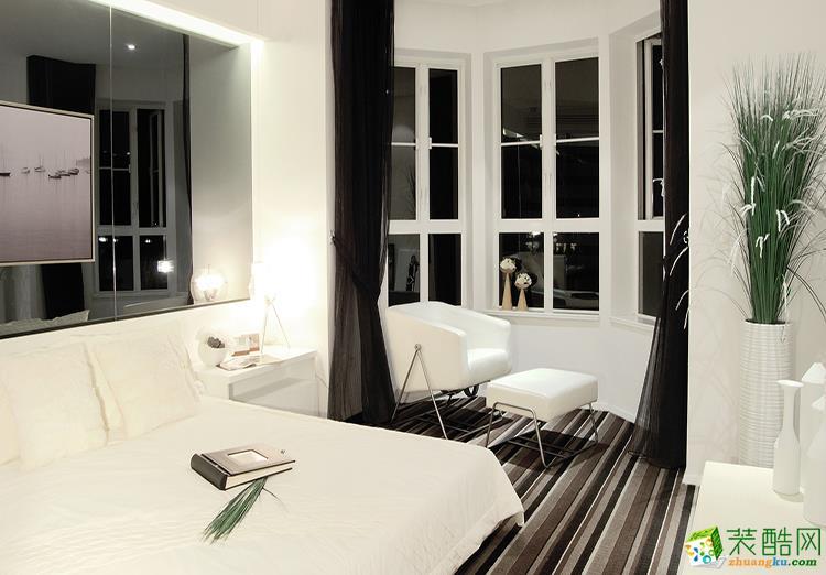 120平米三居室现代风格装修效果图