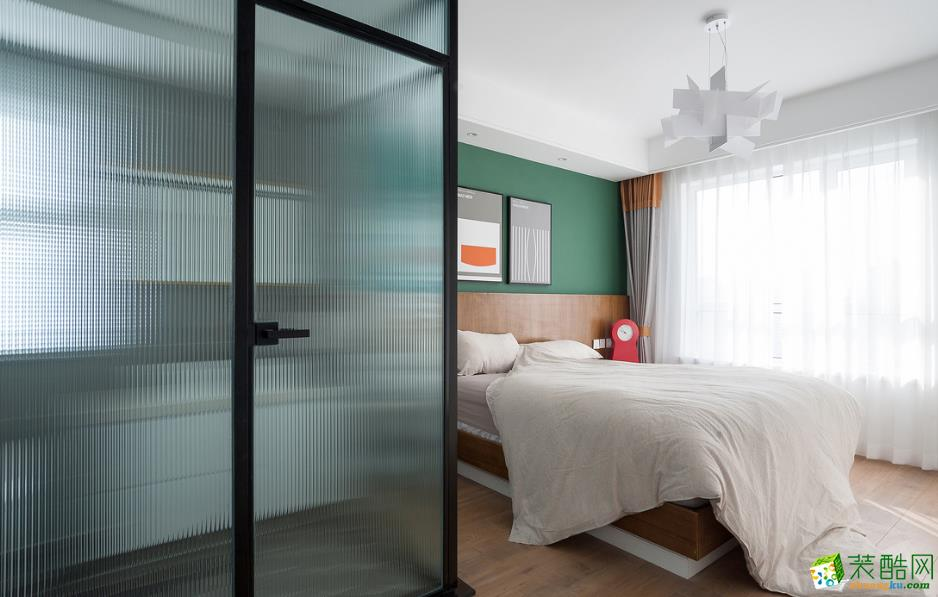 卧室  115㎡两室两厅现代装修效果图