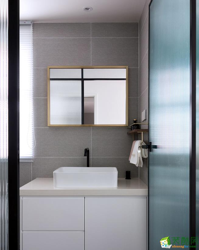 卫浴  115㎡两室两厅现代装修效果图