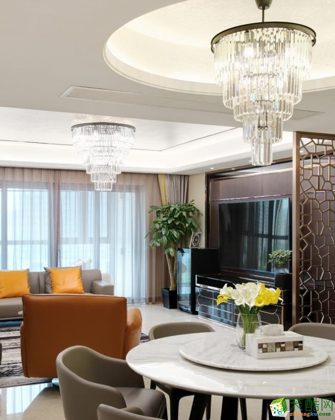 餐厅继续延续客厅的空间基调,营造出贵族式的冷静。