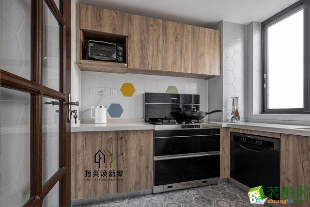 南坪东路福利社老小区,105平米厨房卫生间改造焕然一新