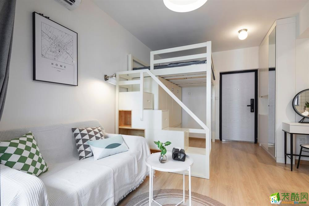24平米單身公寓功能齊全還擁有大容量衣柜和吧臺(