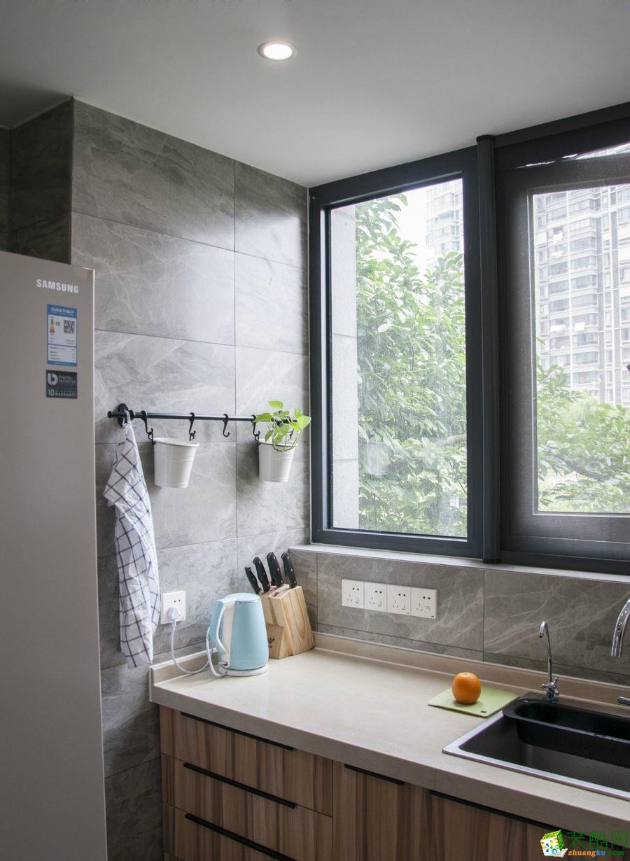 明珠城紫桂苑150平4室2厅现代风格装修设计效果图