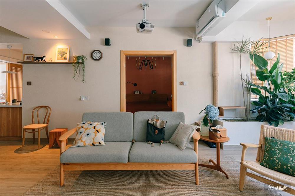 一个特别的书房,与'厨房'和榻榻米作伴