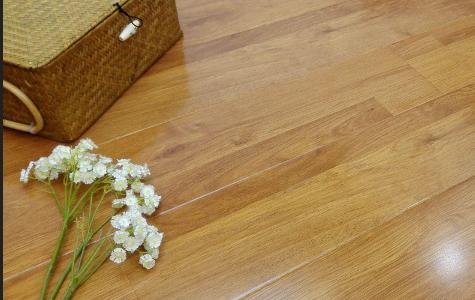 ��化地板甲醛�乐�幔吭趺催x��h保��化地板