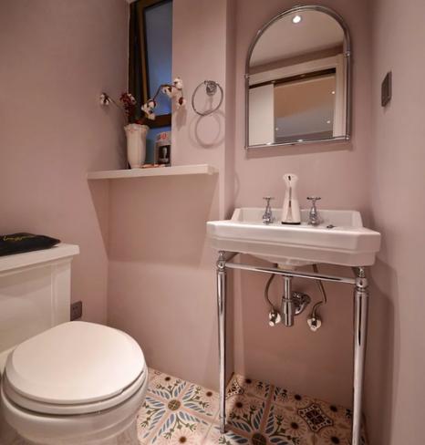 卧室与卫生间装修