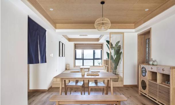 日式餐厅与休闲区域装修