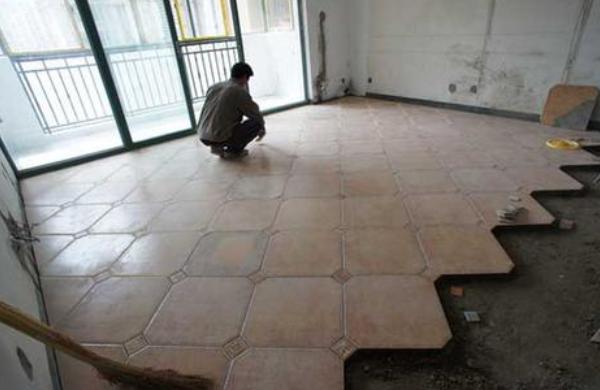 泥瓦工贴砖大概多少钱一平?2021泥瓦工人工费报价表