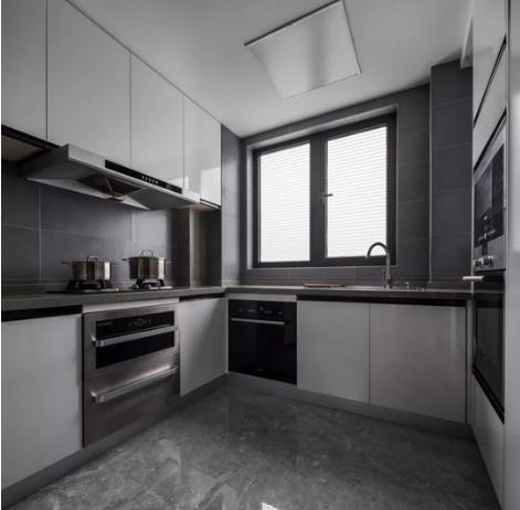 170平现代黑白灰风装修