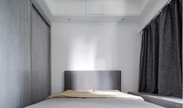 130平老房现代风改造多少钱?12万打造黑白灰质感现代风