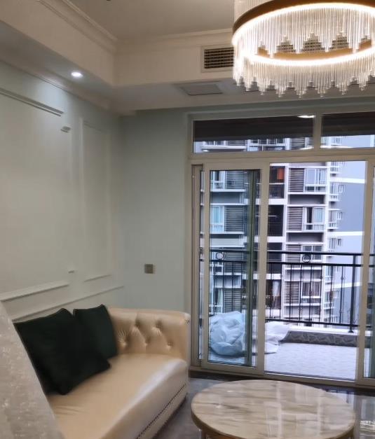 装修视频:180平跃层客厅装修