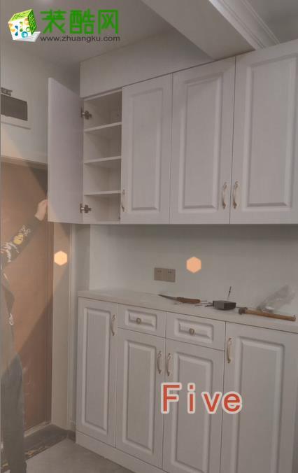 装修视频:家里玄关柜装修