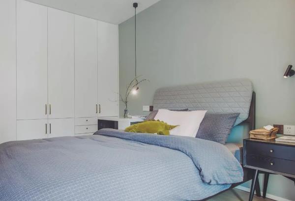 小户型北欧风卧室装修